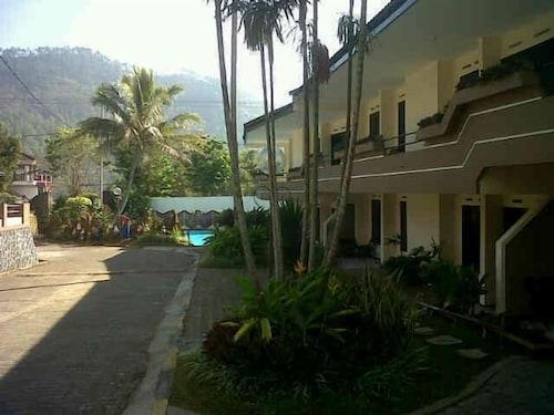 Hotel Nirwana Batu, Malang