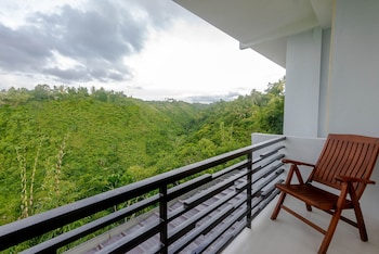 ULTRA WINDS MOUNTAIN RESORT Balcony