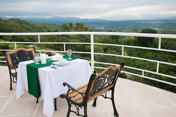 ULTRA WINDS MOUNTAIN RESORT Restaurant
