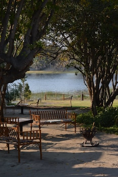 Motsebe Backpackers - BBQ/Picnic Area  - #0