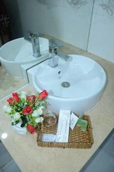 Hung Tuyen Hotel - Bathroom  - #0
