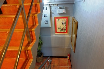China Guest Inn Hotel - Staircase  - #0
