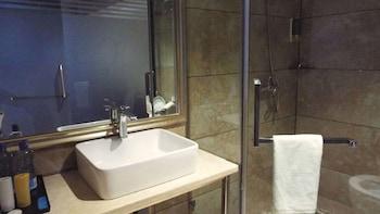 Swiss Lenana Mount Hotel - Bathroom  - #0