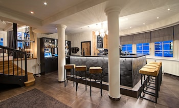 Two Timez Boutique Hotel - Hotel Bar  - #0