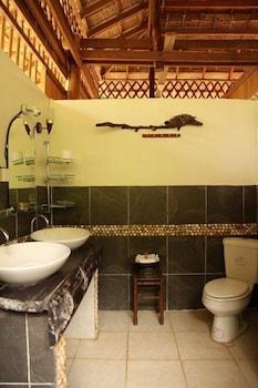 https://i.travelapi.com/hotels/17000000/16590000/16580500/16580484/ae0508bb_b.jpg