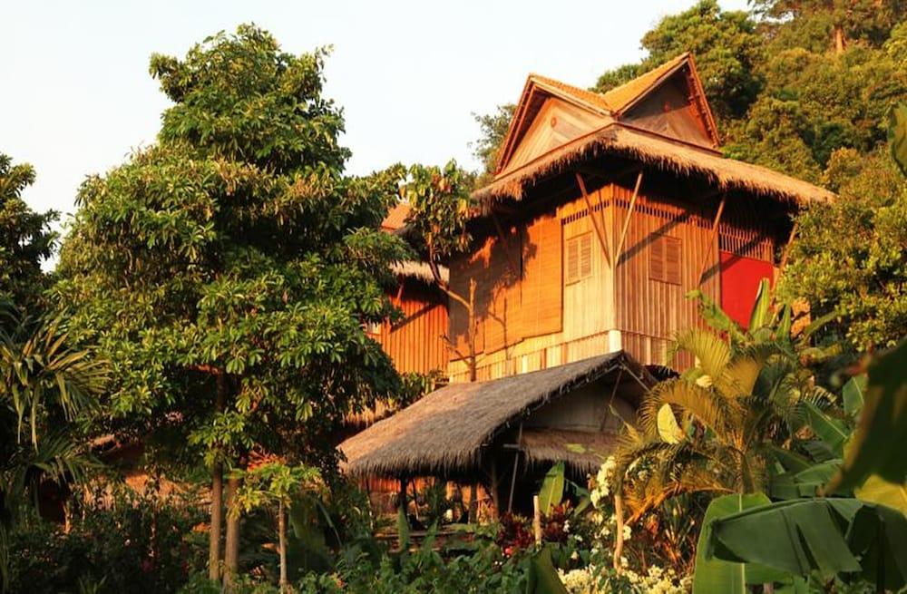 Le Bout du Monde Khmer Lodge