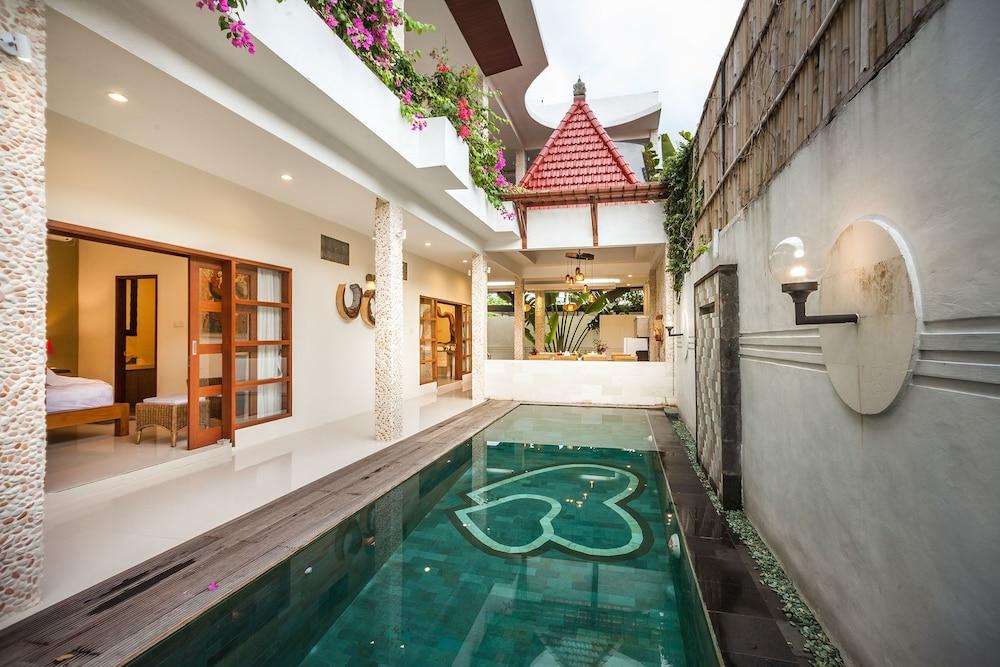 Villa Poetra Balangan