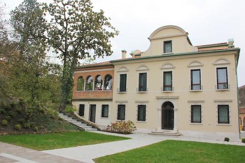 . Villa Oriani