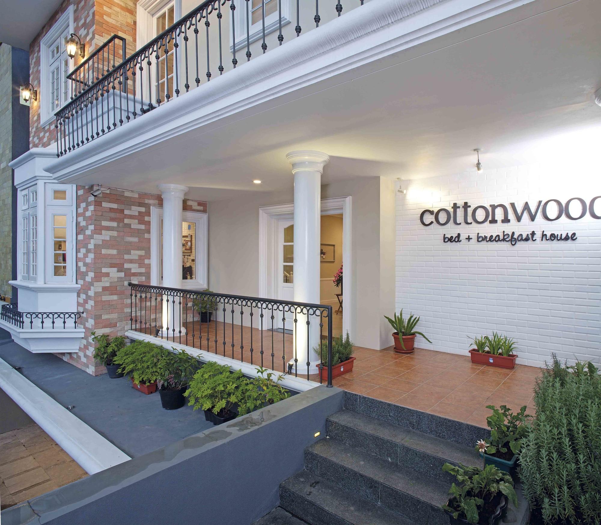 Cottonwood Bed & Breakfast House, Bandung