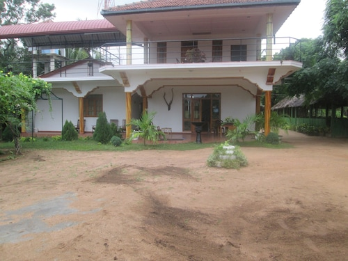 Thirumalai park, Kuchchaveli