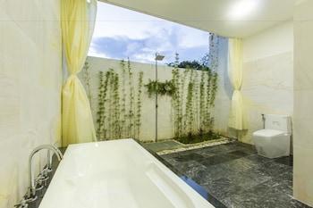 Hoi An Hideaway Villa - Bathroom  - #0