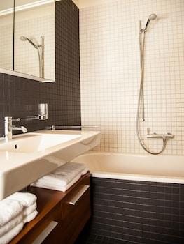 Penthouse Apartments Lakeside - Bathroom  - #0