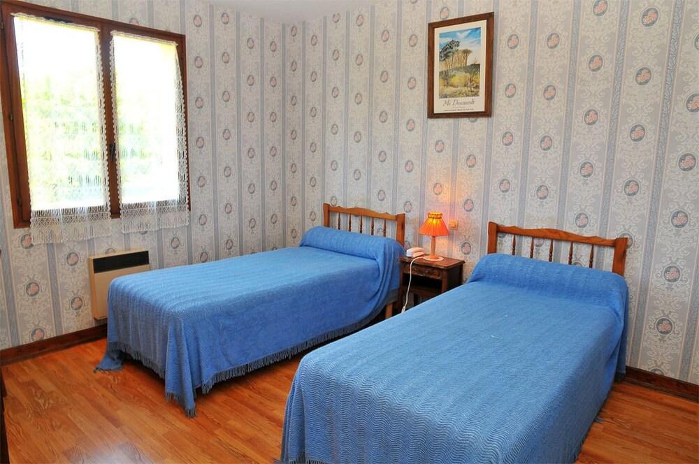 Quadruple Room, in-room climate control