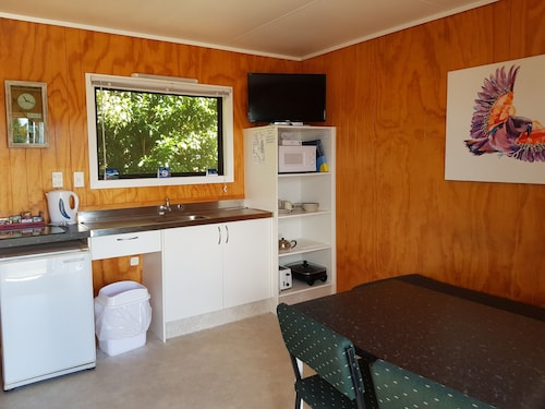 Motutere Bay Top 10 Holiday Park, Taupo