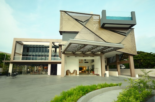 . Hue Hotels and Resorts Puerto Princesa Managed by HII