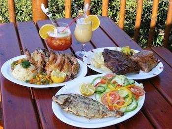 Vista Alta Lodge - Food and Drink  - #0