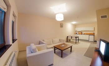 Green Life Family Apartments