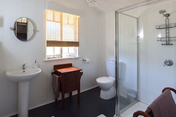 Curlew Cottage - Bathroom  - #0