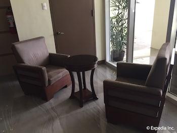 LEOPE HOTEL Living Room