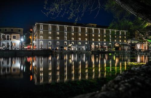 . Hydrama Grand Hotel