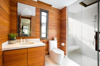 Karon Beach Pool Villas - Bathroom  - #0