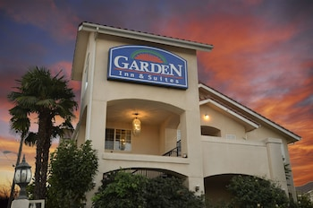 Garden Inn and Suites - Featured Image  - #0