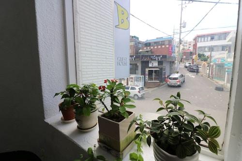 Bunker Guesthouse, Bupyeong