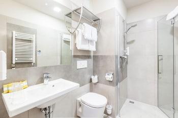 Hotel Legend - Bathroom  - #0