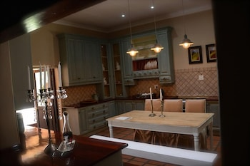 Elegant Manor Guest House - In-Room Dining  - #0