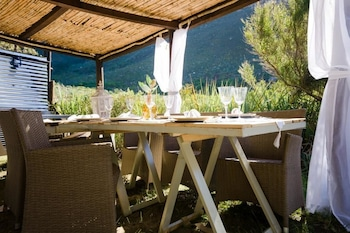 Du Kloof Lodge - Outdoor Dining  - #0