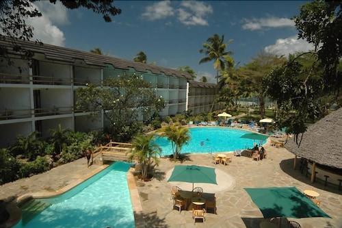 Travellers Beach Hotel & Club, Kisauni