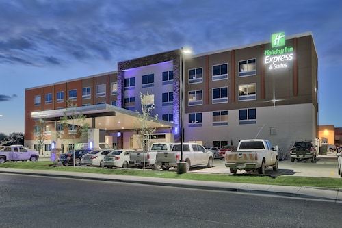 . Holiday Inn Express & Suites Roswell, an IHG Hotel