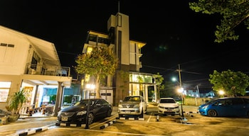 Qoo Hotel - Parking  - #0
