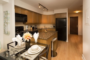 Deluxe Condo, 1 Bedroom, Balcony