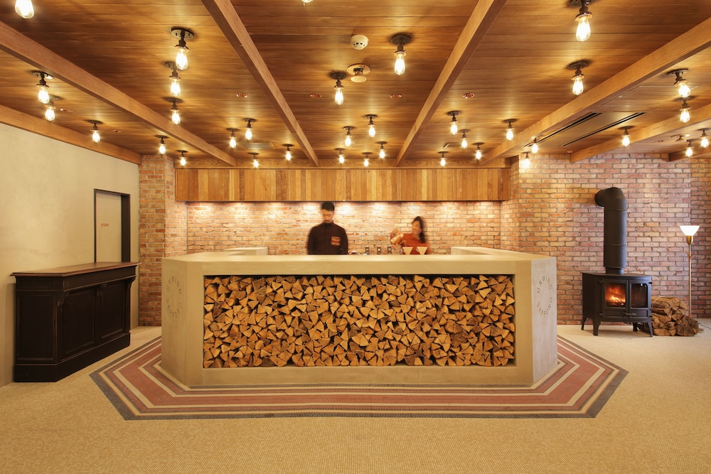 アンワインド ホテル & バー