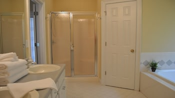 Opis Realty - Radcliffe - Bathroom  - #0