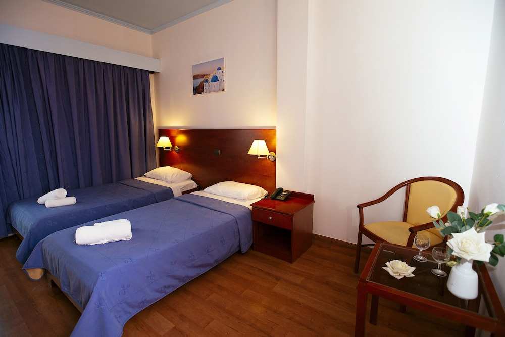 https://i.travelapi.com/hotels/17000000/16720000/16719800/16719775/70967ffb_z.jpg