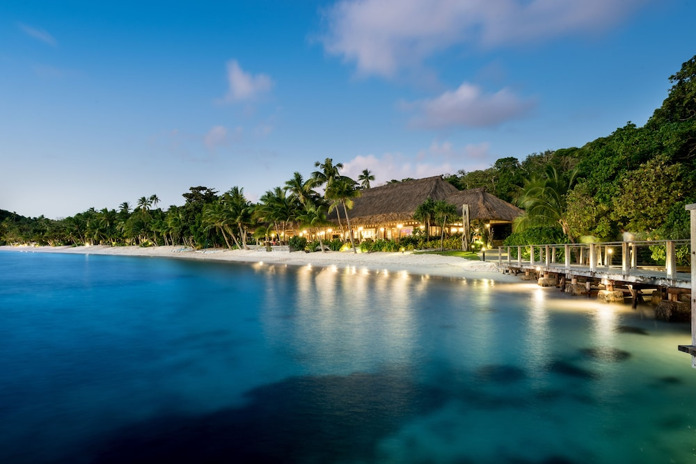 https://i.travelapi.com/hotels/17000000/16740000/16735400/16735385/26e0a244_z.jpg