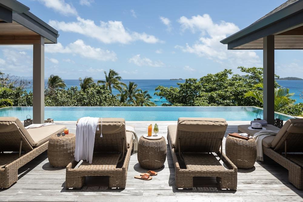 https://i.travelapi.com/hotels/17000000/16740000/16735400/16735385/afe069ef_z.jpg