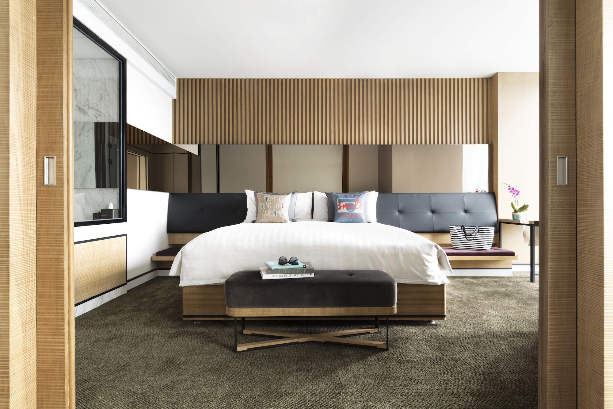 Jen 75,1 King Bed
