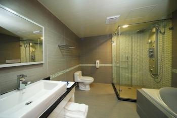 NOBLE HOTEL - Bathroom  - #0