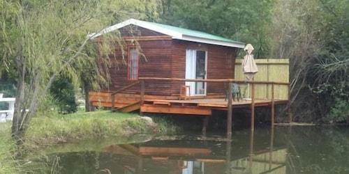 Cango Waterfront Cabins, Eden