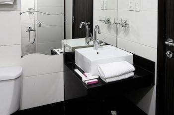 Watheer Hotel Suite - Bathroom  - #0