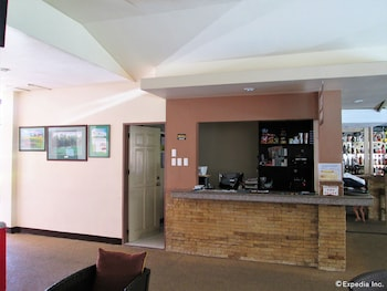 KINGSTON LODGE Lobby