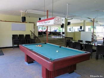 KINGSTON LODGE Billiards