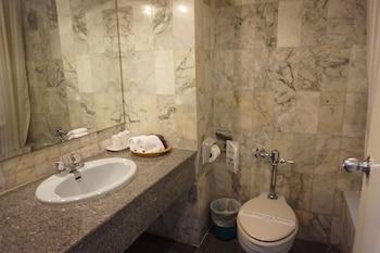 Rimpao Hotel - Bathroom  - #0