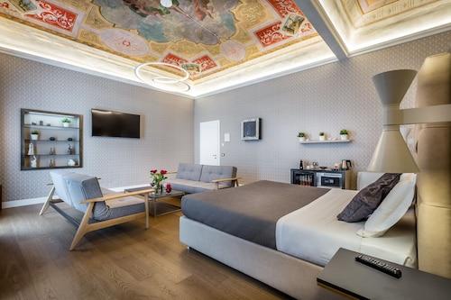 . Martelli 6 Suites and Apartments