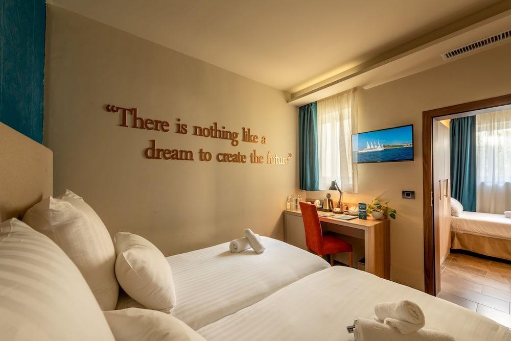 https://i.travelapi.com/hotels/17000000/16770000/16761300/16761287/0a1fc9b4_z.jpg