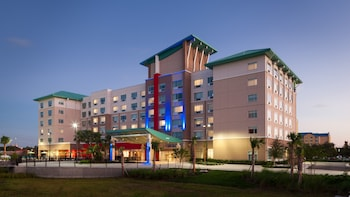 Hotel - Holiday Inn Express & Suites Orlando at SeaWorld