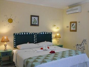 Bar-B-Barn Beach Hotel - Guestroom  - #0
